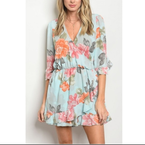 Boutique Pants - Nwt Sky Blue Floral Romper 3/4 Sleeve